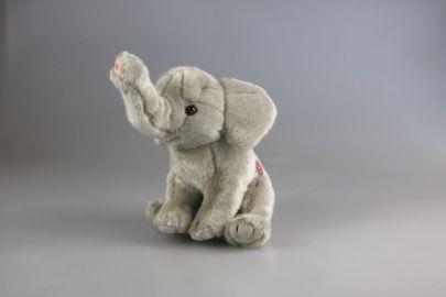 Elefant mit Stimme